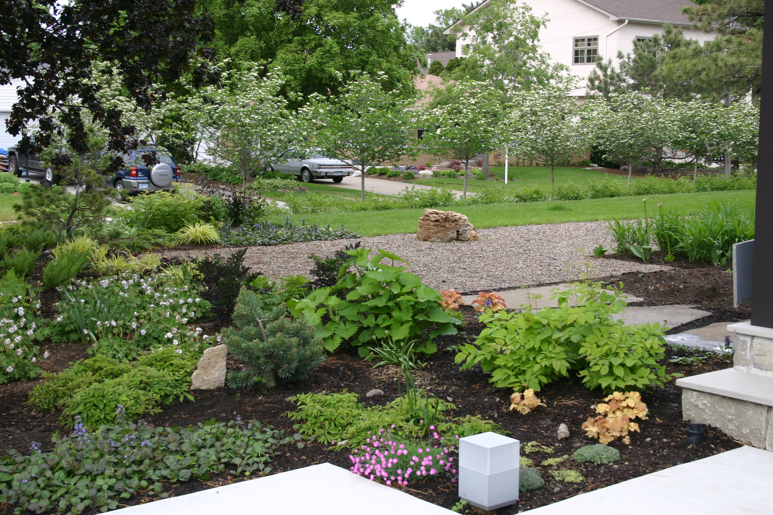 Modern rocky dale gardens for Modern backyard landscaping